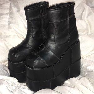 f290570e07b Demonia Shoes - DEMONIA STACK SOUL STOMPER PLATFORM BOOTS